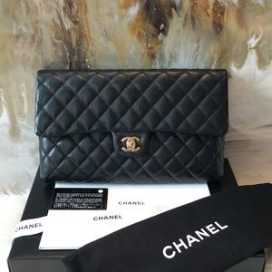 Chanel 18S Black Caviar CC Turnlock Flap Clutch